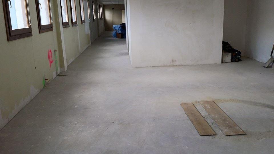 Colocacion-de-laminado-AC4-para-oficinas-4